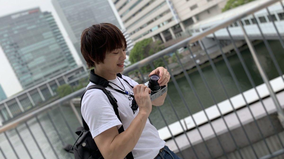 カメラと男性2