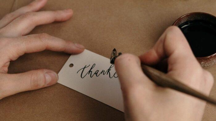 感謝の気持ちを伝えると仕事も人間関係も変わる。人生プラスにする秘訣
