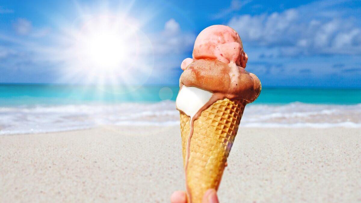 海とアイスクリーム