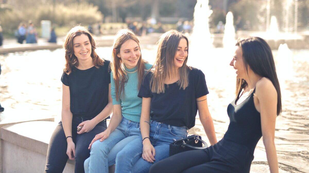 4人の女性